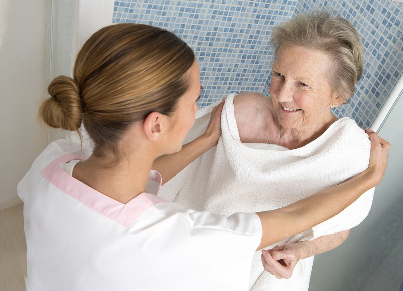 Отправить родственника в частный дом престарелых