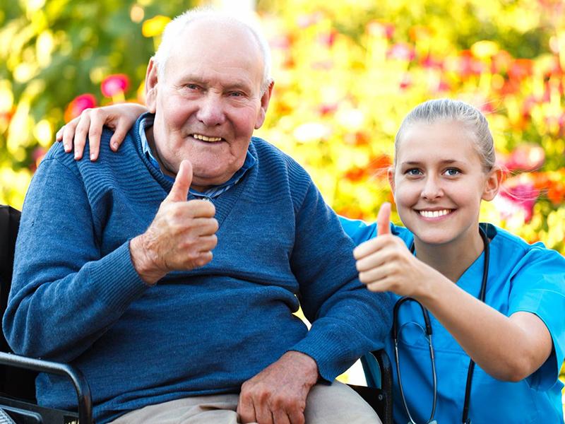 сиделка или пансионат для пожилых