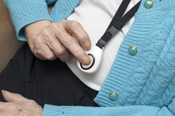 Тревожная кнопка для пожилых людей