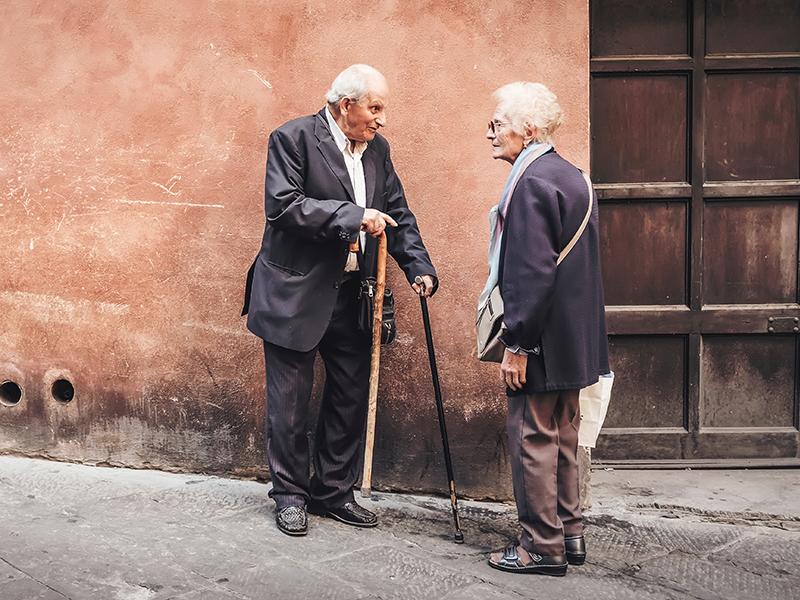 Правила общения с пожилыми людьми
