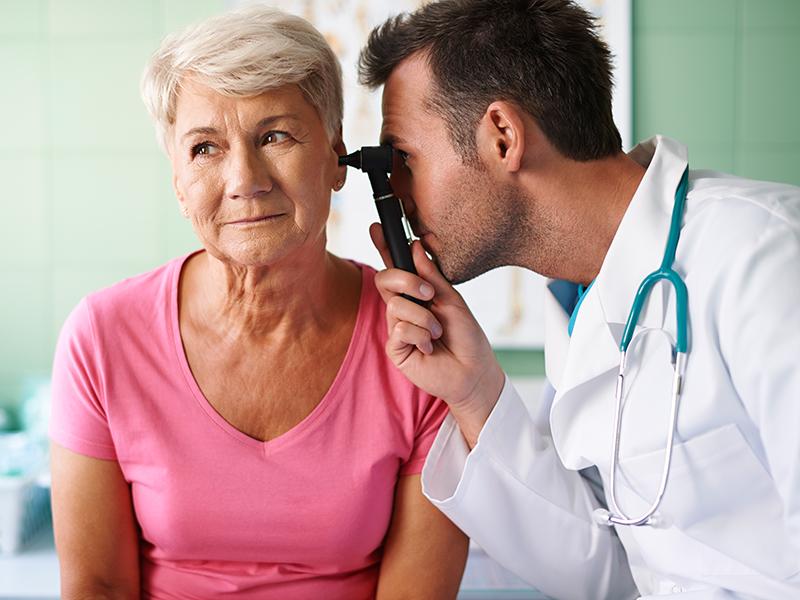 Ухудшение слуха у пожилых людей