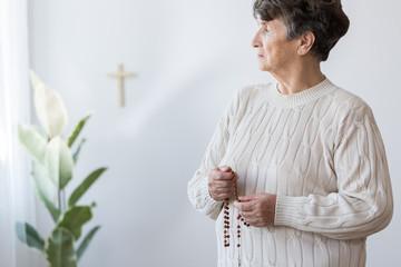 Религиозный обман пожилых