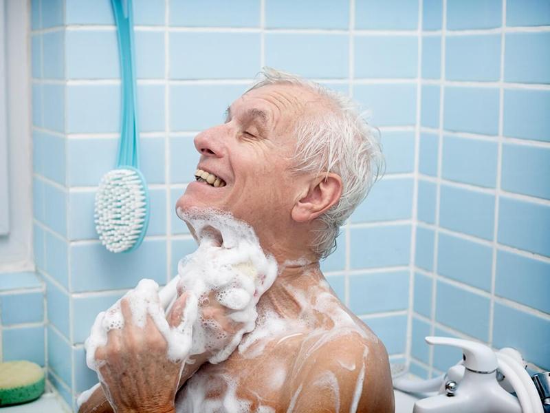 Водные процедуры для пожилых людей