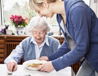 патронаж за пожилым человеком