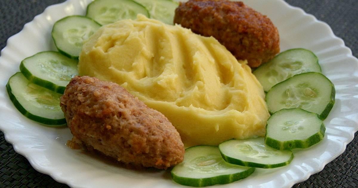 картофельное пюре с котлетой